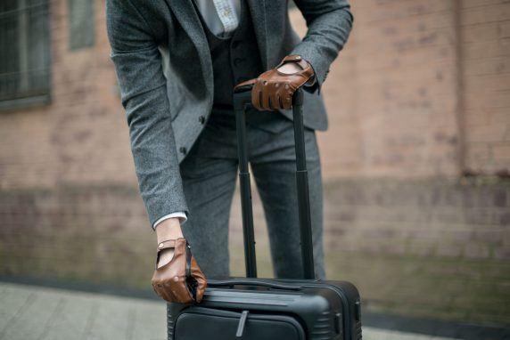 Rękawiczki męskie skórzane – po czym poznać dobrą jakość?